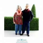 Flexible Dollhouse Grandparents by Erna Meyer