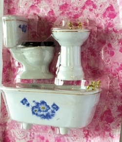 Three Piece Bathroom Set