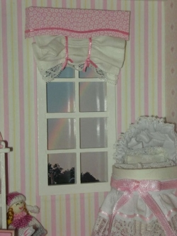 Nursery valence and curtain in pink