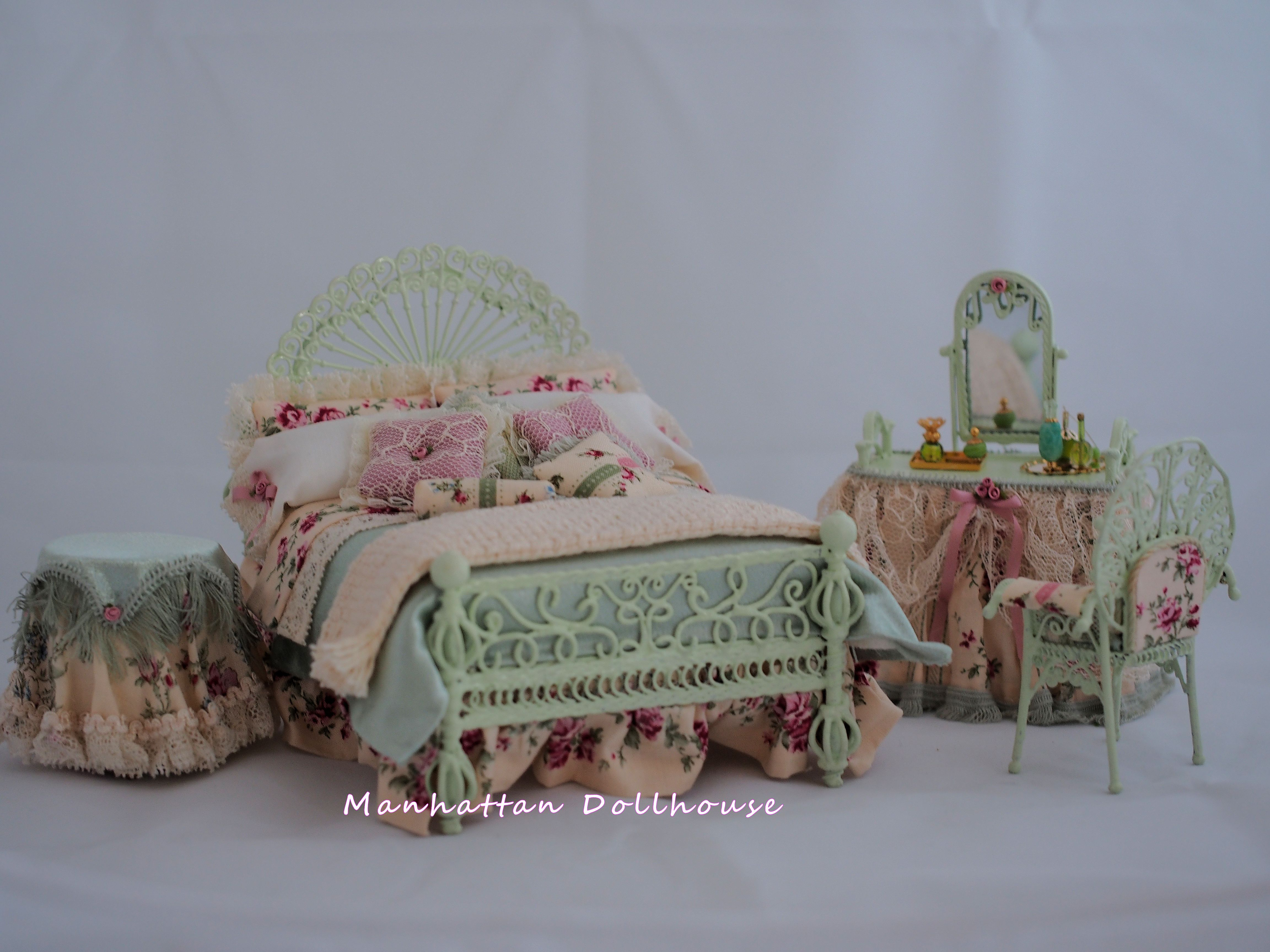 Country Bedroom Set by Serena Johnson Country Style Dollhouse ...