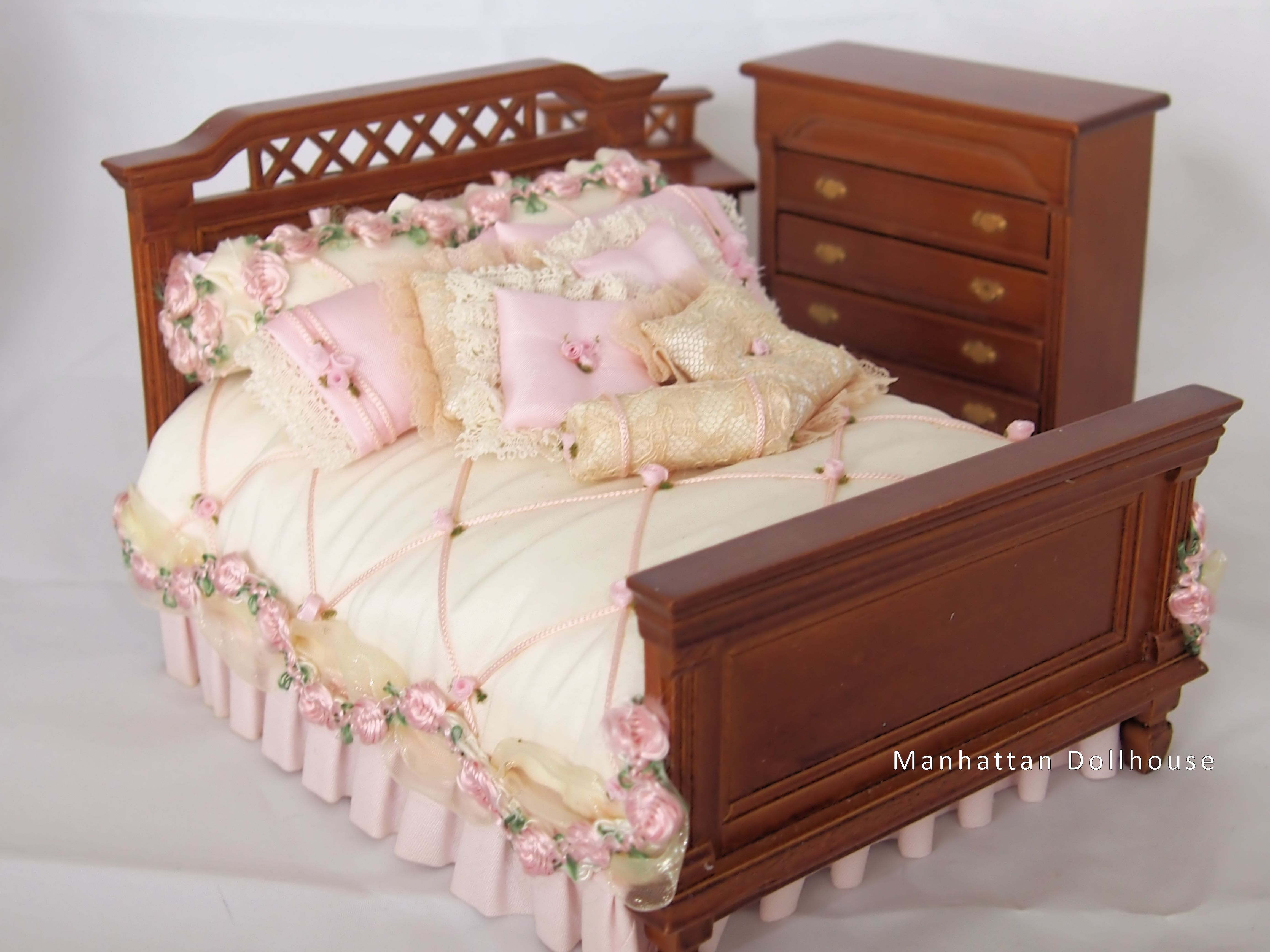 Dollhouse miniature bedroom furniture set bedroom review Miniature room boxes interior design