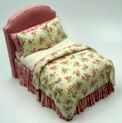 Lorraine Scuderi Single Bed - Pink