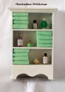 Bathroom shelves w/towels-Green