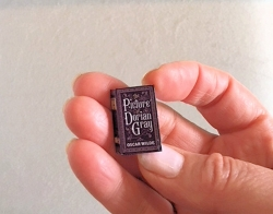 The Picture of Dorian Gray Miniature Book