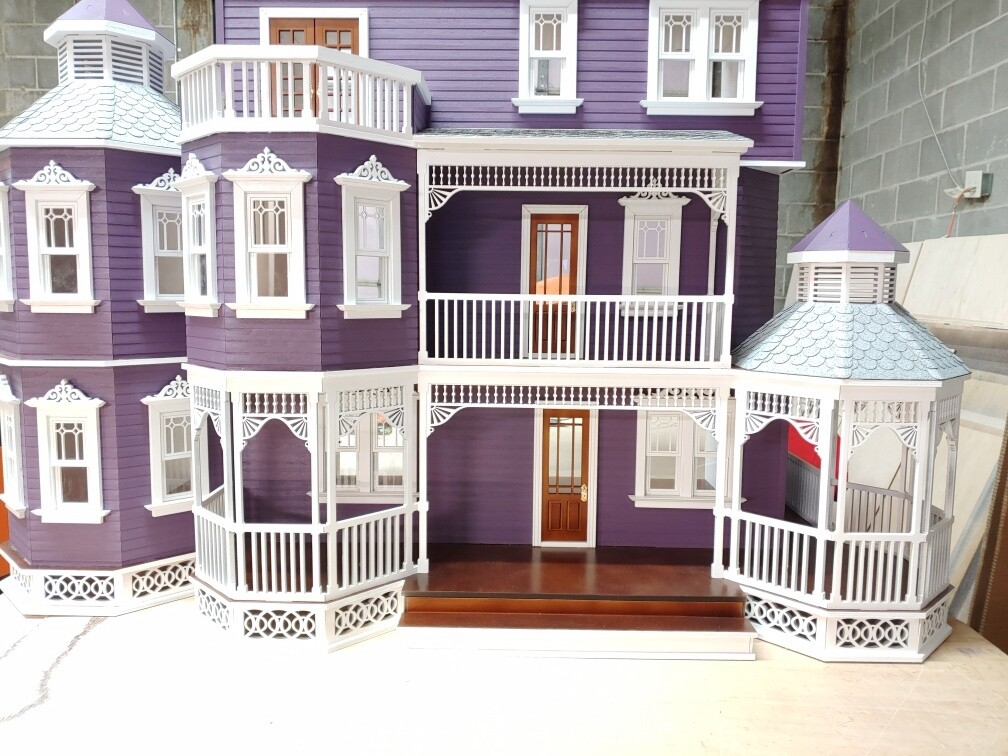 Ashley Gothic Victorian Generation 2 Dollhouse 1:12 scale kit - Click Image to Close